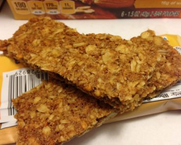Nature Valley Crunchy Roasted Almond Granola Bars Close