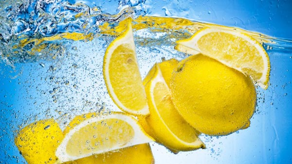 drinking-lemon-water-s