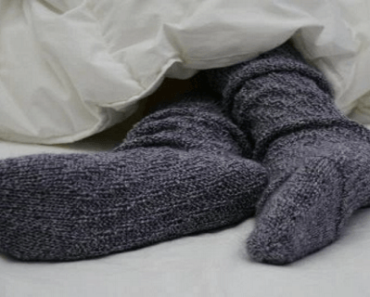 after-reading-this-you-will-always-put-on-socks-when-going-to-bed-heres-what-happens
